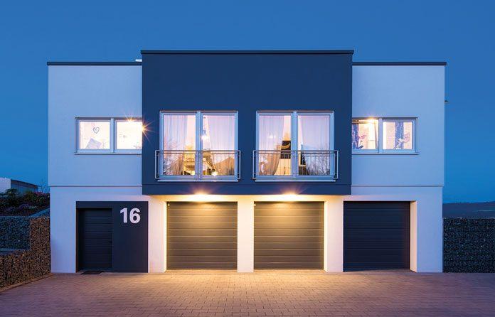Moderne Wärmedämmfenster schaffen bei jedem Wetter eine angenehme Wohlfühlatmosphäre. (Foto: FingerHaus)