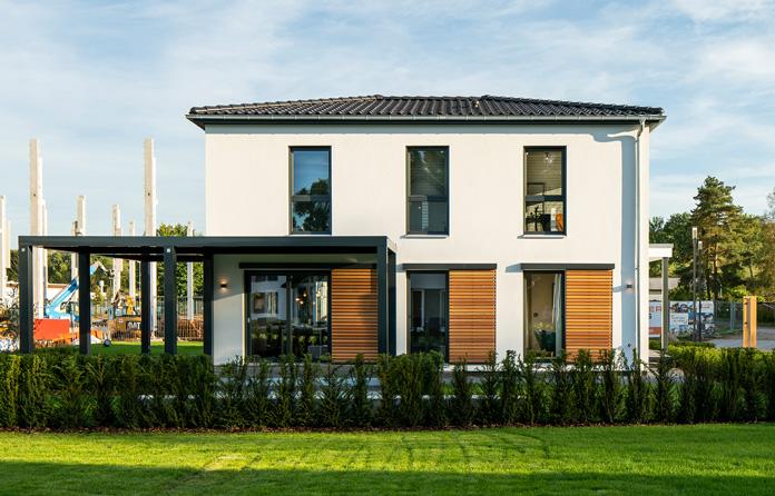 Große Fensterflächen sorgen für mehr Lebensqualität. (Foto: FingerHaus)