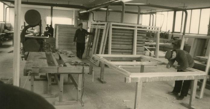 Die 1820 gegründete Zimmerei Finger in Burgwald-Bottendorf war einer dieser Betriebe die sich nach dem Krieg dem Fertighausbau widmete und aus der später das Unternehmen FingerHaus hervorgehen sollte. (Foto: FingerHaus)