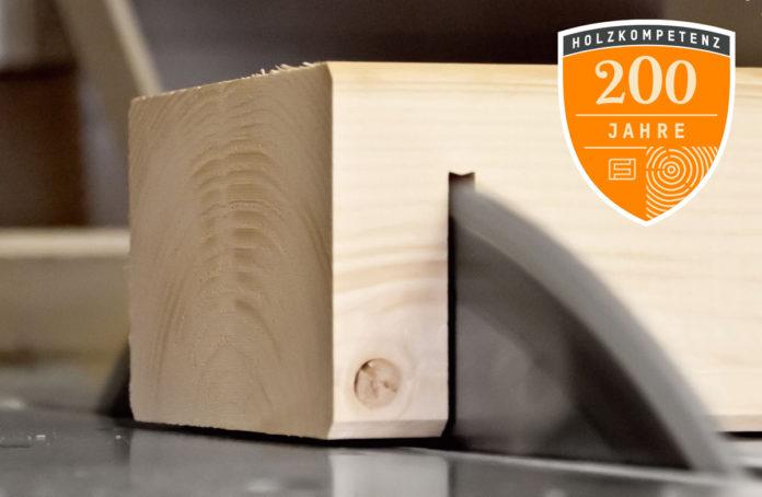 200 Jahre Erfahrung in der Holzverarbeitung zeigen: Holz war und ist das perfekte Material für den Hausbau. (Foto: FingerHaus)